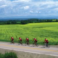 Cycling the Veloroute Des Bleuets.   Jean Tanguay