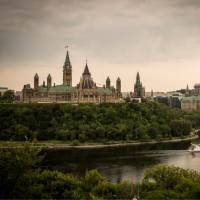 Parliament buildings over the Ottawa River | ©Destination Ontario