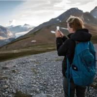 Hiking at Parkers Ridge, Banff NP | Ben Morin, Parks Canada