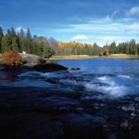 Autumn colours on Ontario's Great Lakes | OTMPC