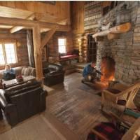 Inside the cozy log cabin   Goh Iromoto